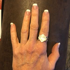 Jewelry - Mother of Pearl Ring